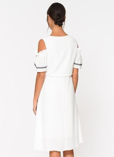 Loves You Omuz Dekolteli Biyeli Elbise Beyaz